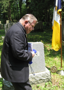 President Dunne unveils the member marker that we placed on Ron's grave.